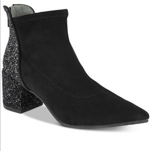 Adrianna Papell Honey Ankle Boots Size 8